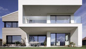 helopal Imagebild Hausansicht Wohnhaus in Lenzing